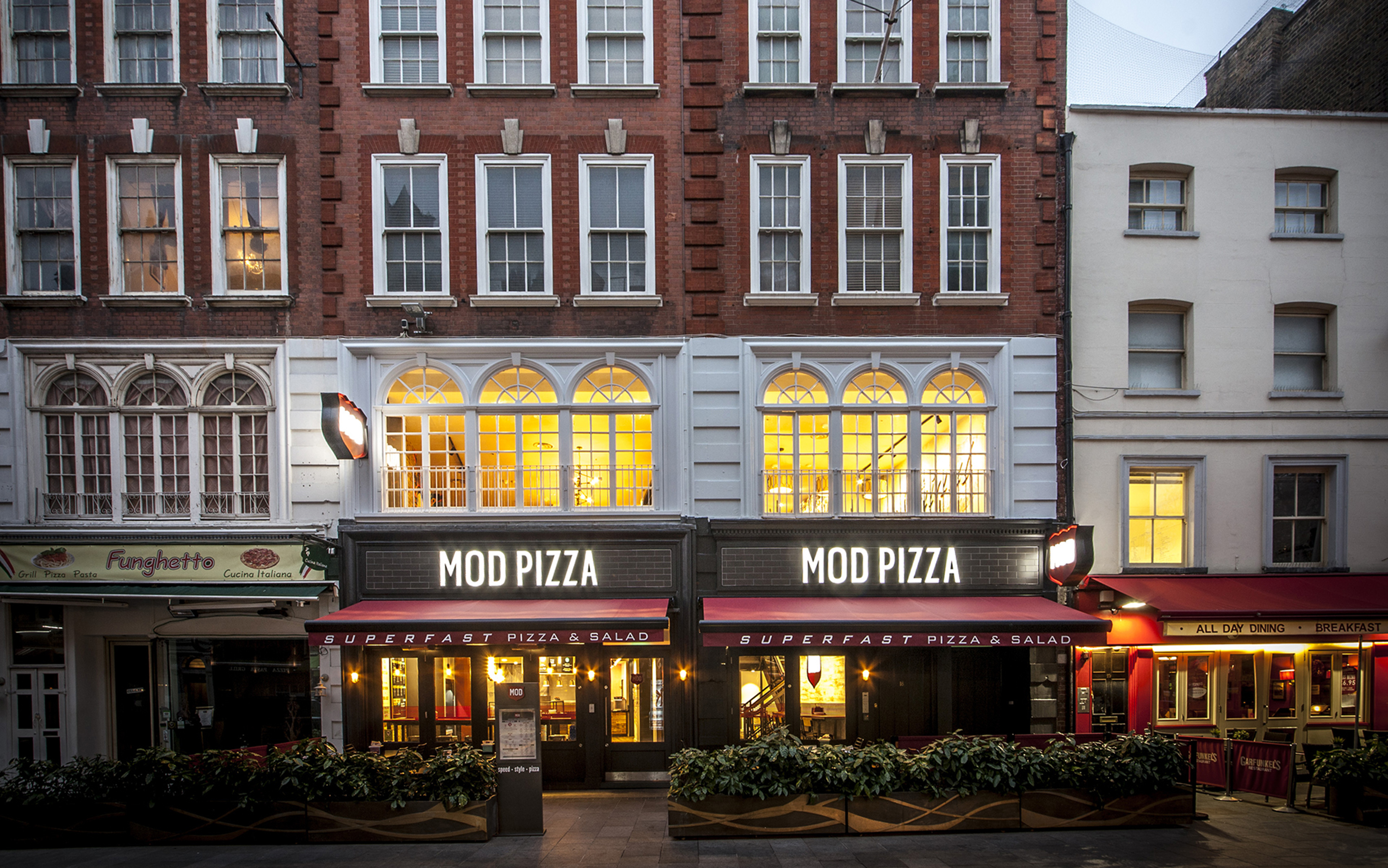 Mod Pizza Opens Flagship In Leicester Square W Hiles